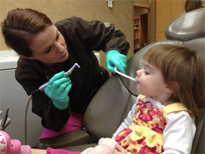 hygienist_with_kid